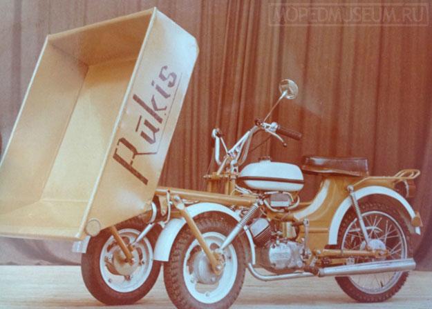 Грузовой трицикл-самосвал Rukis