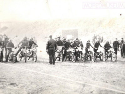 Zelta mopeds