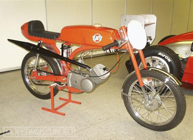 Шоссейно-кольцевой микромотоцикл Рига-6С (1968)