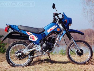 Мокик ЗДК 2.103 «Пилот» с поднятым крылом (1999)