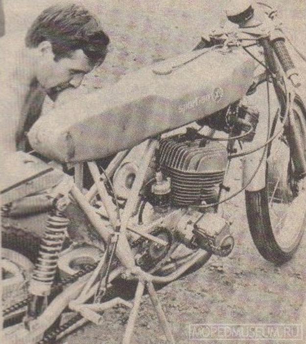 Шоссейно-кольцевой микромотоцикл Рига-125