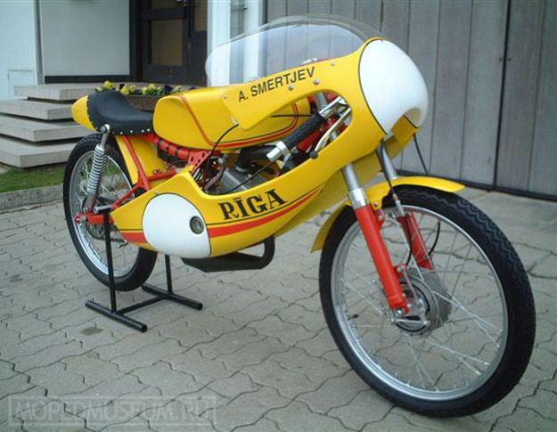 Шоссейно-кольцевой микромотоцикл Рига-17С (1976-1982)
