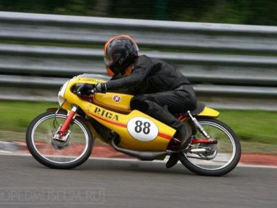 Шоссейно-кольцевой микромотоцикл «Рига-17С» (1976)