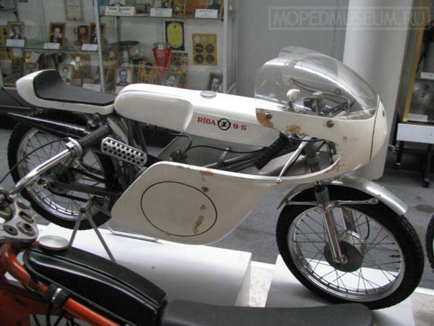 Шоссейно-кольцевой микромотоцикл Рига-9С (1969)