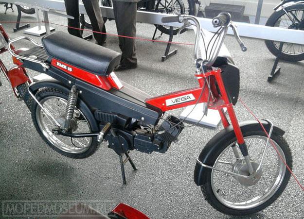 Мокик Рига-15 Vega RMR-15 (1990)