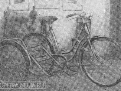 Боковой пассажирский (детский) велоприцеп (1956)